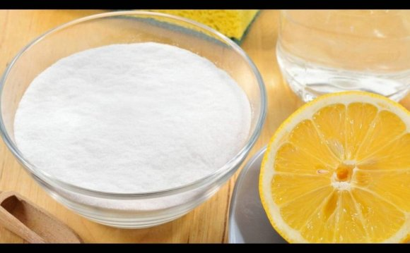 Lemon and baking soda image
