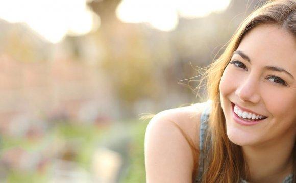 Simple Ways To Whiten Teeth