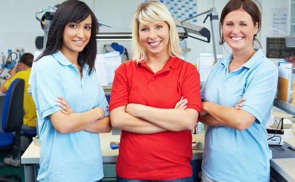 Dental nurses teeth whitening