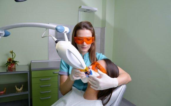Zoom Teeth Whitening Laser