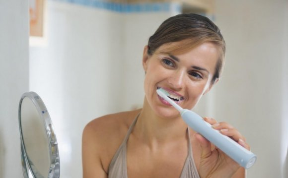 How to whitening teeth naturally overnight?