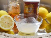 Natural teeth whitening baking soda and lemon